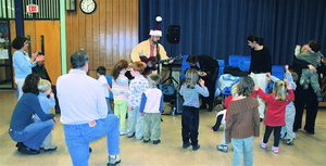 Hamilton Wenham Friends of Pre K Holiday Show